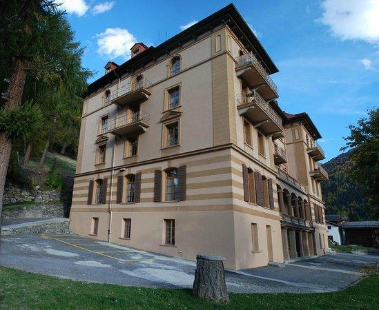 Guesthouse & Hôtel Le Cervin : Façade Nord
