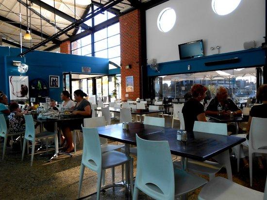Sharky's Restaurant Bar and Grill: Sharky's Restaurant