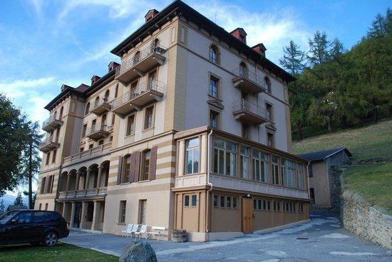 Guesthouse & Hôtel Le Cervin : Façade Sud