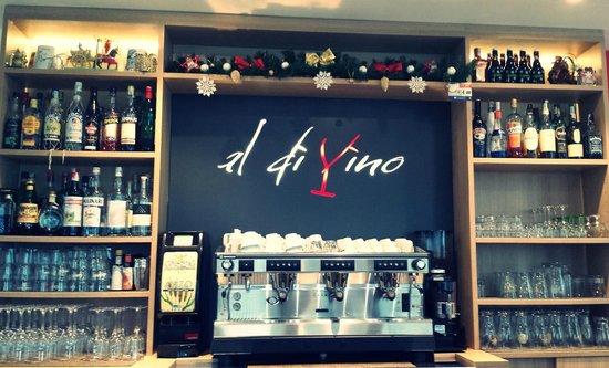 Al di vino bistro bar : bar