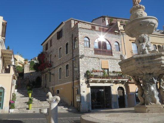 Piazza near Villa Al Duomo