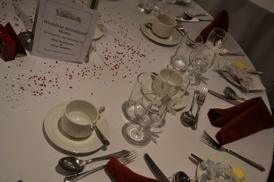 The Sitwell Arms Hotel: Beautiful set tables