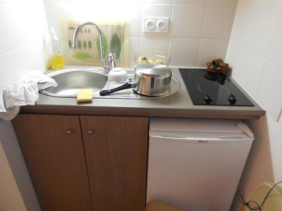 Appart'City Angers : vue de la kitchenette