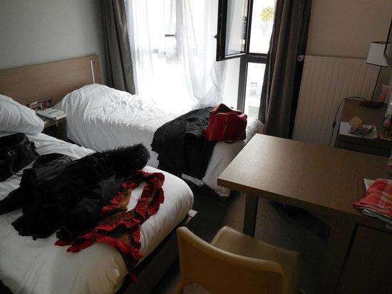 vue de la kitchenette photo de appart 39 city angers. Black Bedroom Furniture Sets. Home Design Ideas