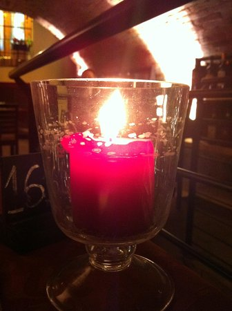 La Bottega del Nobile: Candela sul tavolo