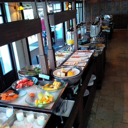 Le Meridien Koh Samui Resort & Spa: breakfast buffet