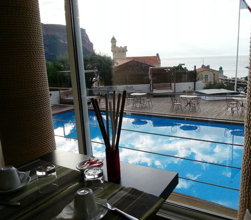BEST WESTERN Hotel La Rade : salle de pdj vue mer,  breakfast room