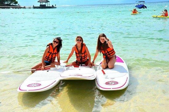 Club Med La Plantation d'Albion: Activitée Paddle plage animée