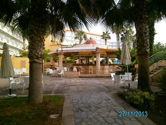 Hotel St. George: Die Poolbar