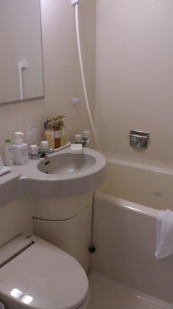 Sanco Inn Nagoya Shinkansenguchi: Bathroom