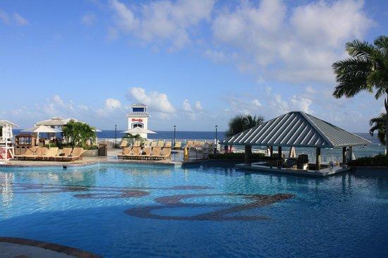 Beaches Ocho Rios Resort & Golf Club: Main pool and swim-up bar