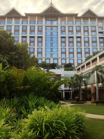 Shangri-La Hotel, Chiang Mai: View from behind