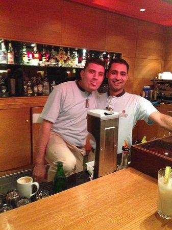 Cleopatra Luxury Resort : Lobby Bar Staff