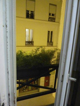 Le 55 Montparnasse Hotel : balconette