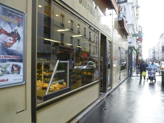 Le 55 Montparnasse Hotel: street