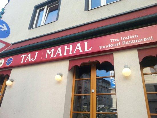 Taj Mahal: تاج محل