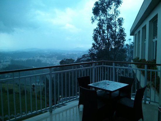 Sinclairs Retreat Ooty : View from the balcony dining area