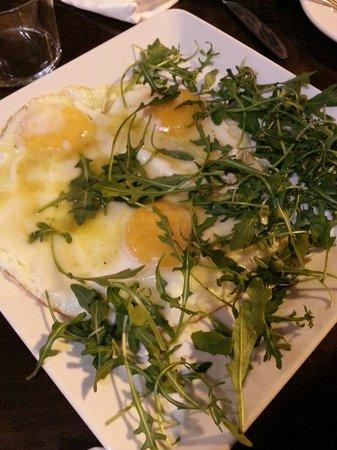 Cafe Infinito: Huevos con trufa