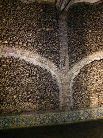 Capela dos Ossos : Chapel of bones