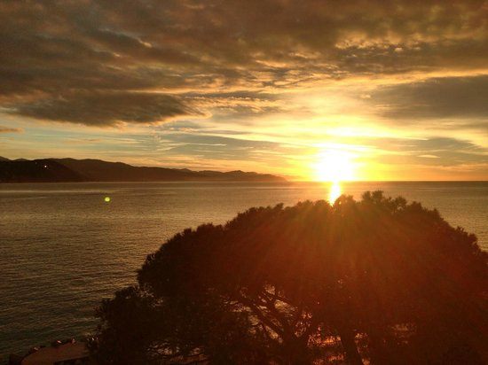 Grand Hotel Miramare: sunrise from room