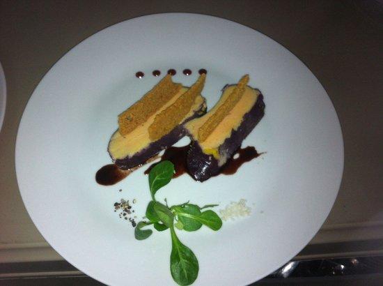 L'ardoise: Foie gras confit au vin de Bordeaux chips de pain d'épices