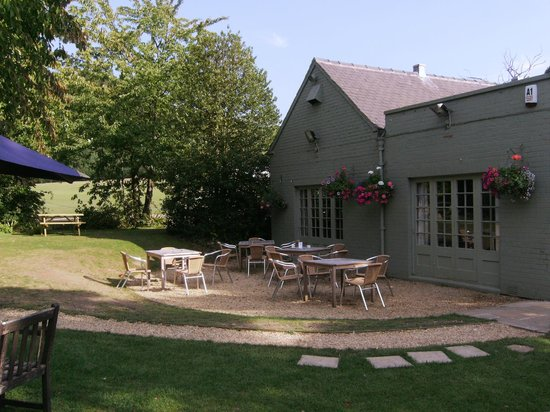 The Chequers Inn Restaurant: View of function room from rear garden.