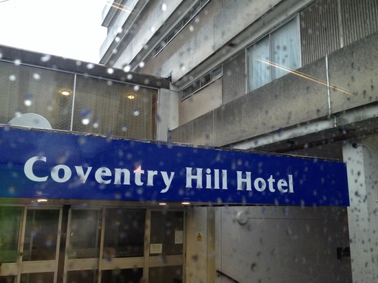 Coventry Hill Hotel: Rank outside and in!