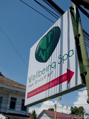 Wellbeing spa: The signboard along Jalan Laksmana. Follow it in to paradise!