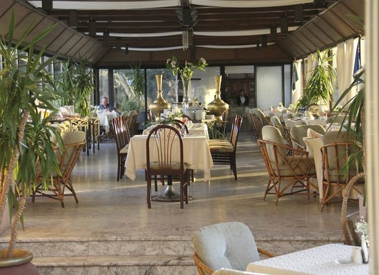 Amman International Hotel: Morning Dining