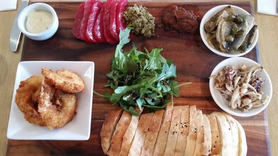 Clairault Streicker Estate: Seafood Board