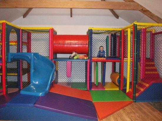 Bosinver Farm Cottages: Play Barn