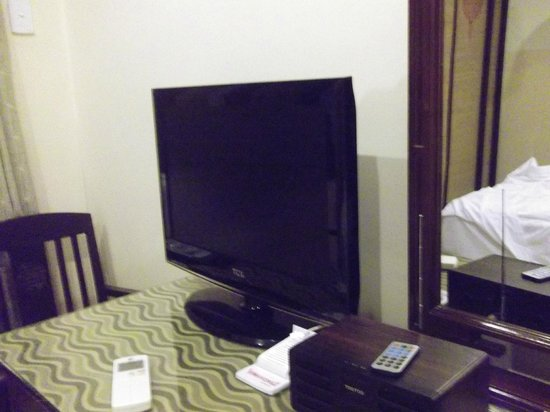 Vinh Hung Library Hotel : Room