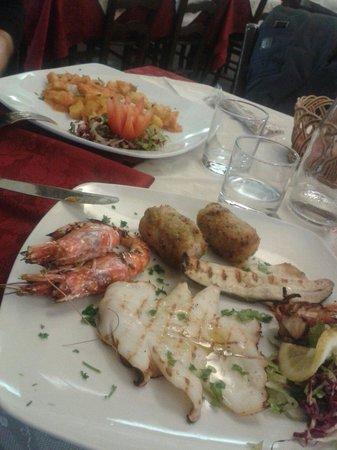 Sicilia in Bocca alla Marina : Grigliata mista di pesce e Orata
