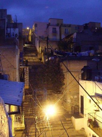 Casa de Dante Hostel: Escaleras de acceso