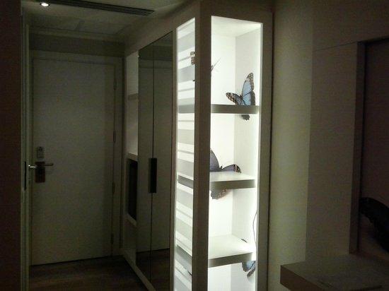 Oxygen Lifestyle Hotel Helvetia Parco : particolare dell'armadio