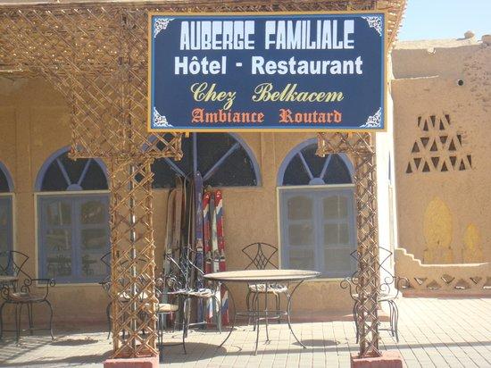 Auberge Familiale de Belkacem: une terrasse ombragée des plus agréable
