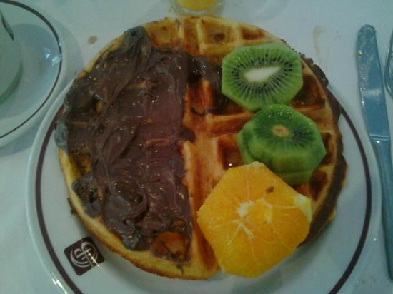 Constantinou Bros Athena Beach Hotel: colazione