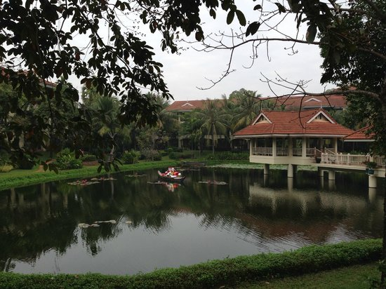 Sofitel Angkor Phokeethra Golf and Spa Resort : Parc de l'hotel