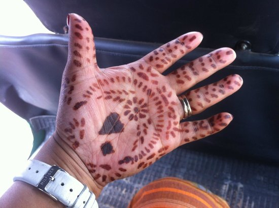Oak Wood Inn Kandy Hotel: Henna made by the daughter of the Hosts