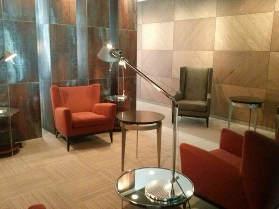 Holiday Inn Santiago Airport: lounge