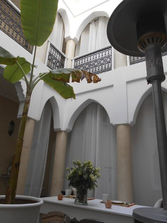Riad les Orangers d'Alilia Marrakech : center space