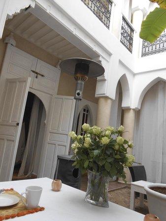 Riad les Orangers d'Alilia Marrakech: center space