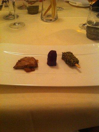 Chalet Ristorante Gourmet Mattias: fois gras (scaloppa con mele, dattero, mini magnum)