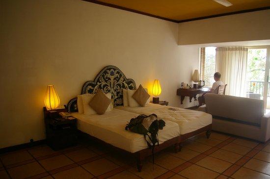 Hotel Thilanka: Excellent lit