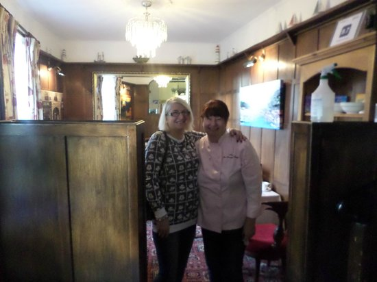 The Minadab Cottage: me and the lovely host anne