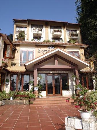 Sapa Elegance Hotel: Cool bright sunny day at Sapa Elegance