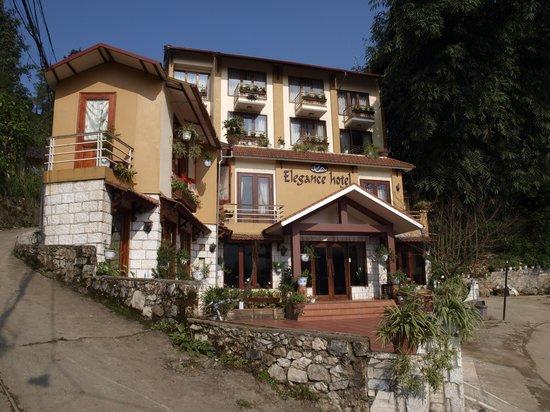 Sapa Elegance Hotel: Broder view