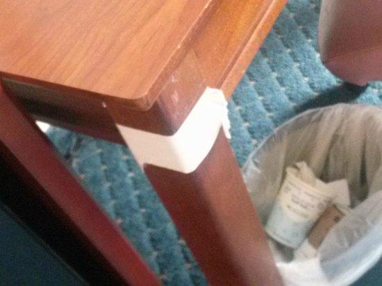 Hampton Inn Virginia Beach-Oceanfront South: Regular room-furniture