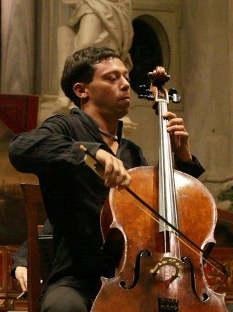 Davide Amadio cellist od Interpreti Veneziani