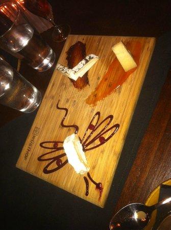 The Iberian Pig: cheese platter